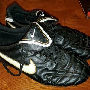 Nike Mens Soccer Cleats